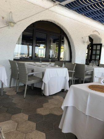 La Ultima Ola: The terrace
