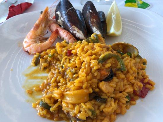 La Ultima Ola: Portion of paella