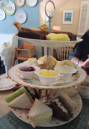 Almonte, Kanada: Afternoon Tea Treats!!!!