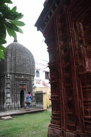 Shantiniketan, الهند: temple