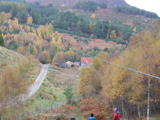 Aviemore, UK: The mother of all zip lines!
