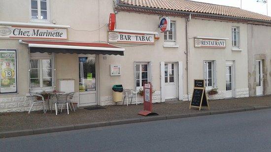 Bressuire, Fransa: getlstd_property_photo