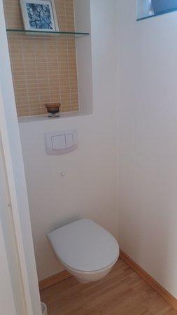 kleines Detail über der Toilette - eine gute Idee - Bild von ...