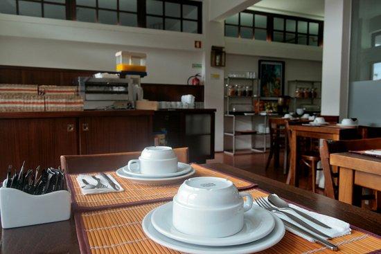 Hotel Santiago: Sala de Pequeno-Almoço