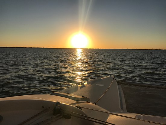 Sailaway Clear Lake Charters: All day long sunny and 70s. Perfect experience sealed with a sip of champagne.