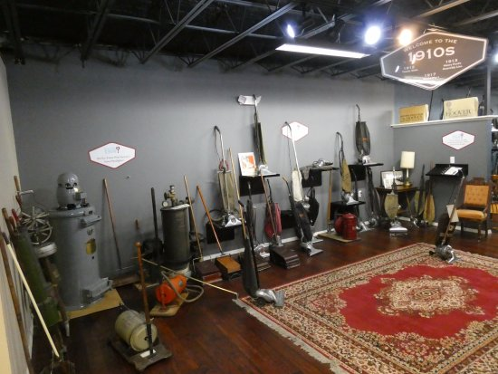 Saint James, MO: 1910 room of the Vacuum Cleaner Museum