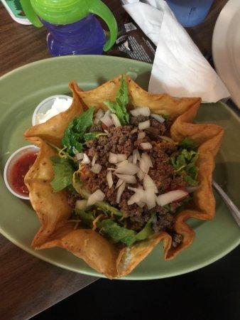 Elk River, Minnesota: Taco salad
