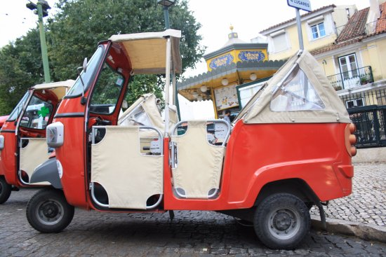 piaggio ape calessino 200 bild fr n tuk a look lisbon. Black Bedroom Furniture Sets. Home Design Ideas