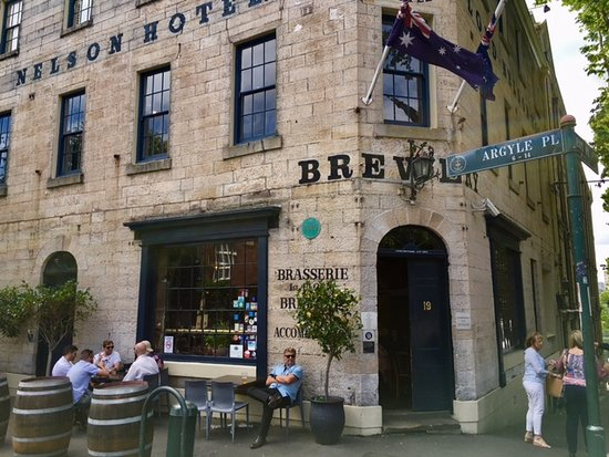 The Lord Nelson Brewery Hotel: Lord Nelson (old hotel) Brewery and eatery is just enough off the tourist streets of Sydney Harb