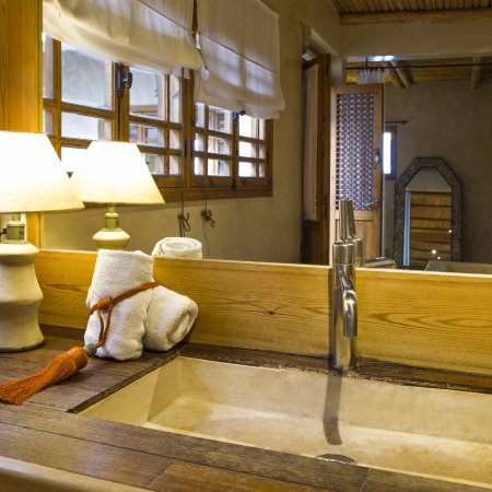 Riad Chbanate: Bathroom of our suite confort ZEN