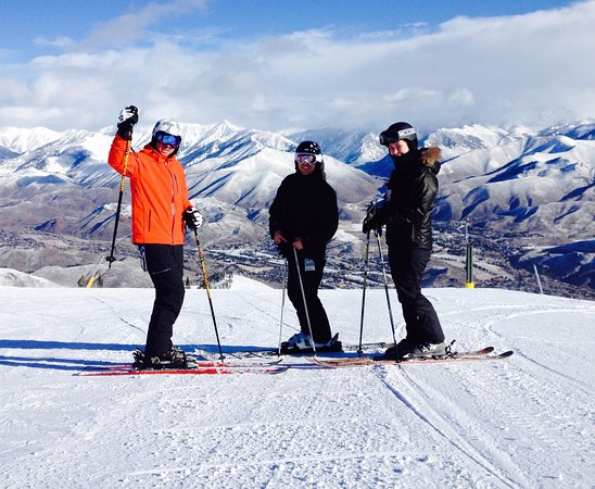 Ketchum, ID: While everyone else is waiting in line for the their skis D2D guests have the Mtn to themselves!
