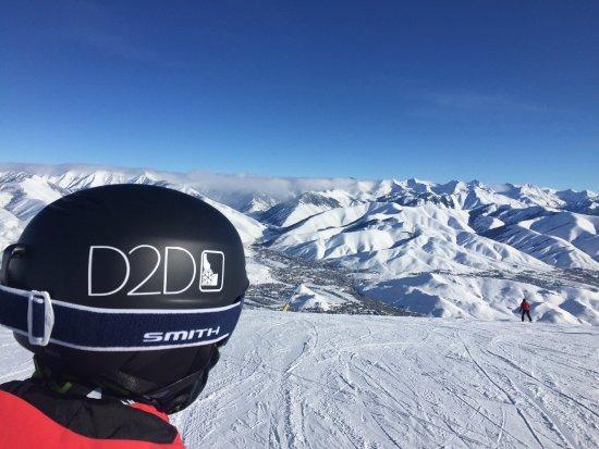 Ketchum, Idaho: Wide open slopes and Blue Skies!!