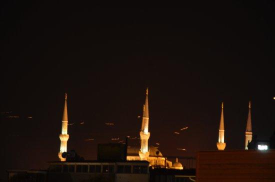 Celal Sultan Hotel: mosquée bleu de nuit