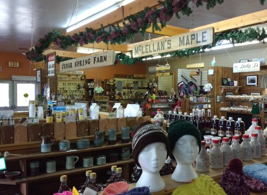 Woodstock Farm & Craft Market: Inside of Farmer's Market