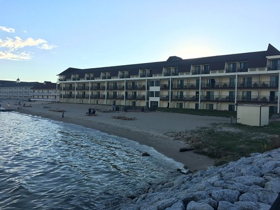 Best Western Plus Dockside Waterfront Inn: Rooms with a lake view