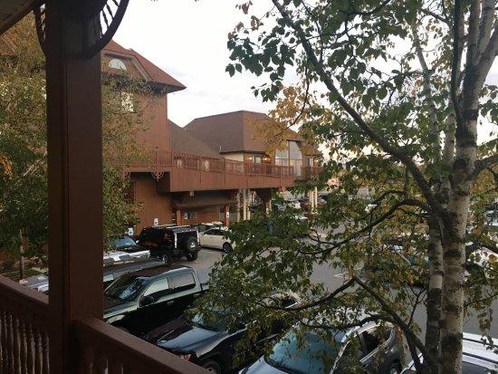 Best Western Plus Dockside Waterfront Inn: Parking lot