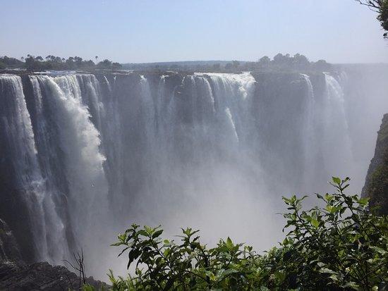 Mosi-oa-Tunya / Victoria Falls National Park : View from the national park across from the falls