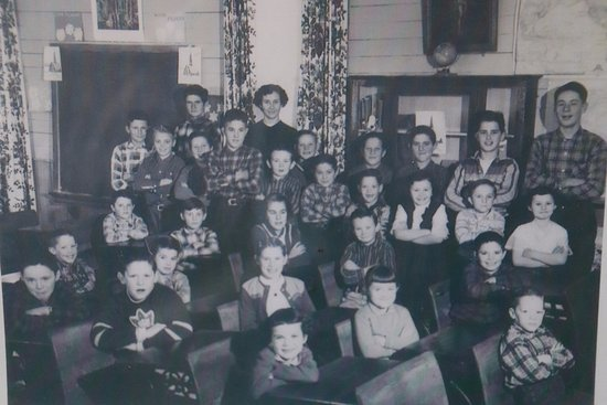 Wolfe Island, Canada: Students at school