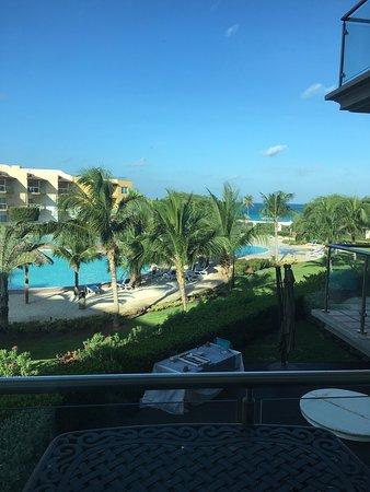 Oceania Deluxe Beachfront Resort by Prestige: photo2.jpg