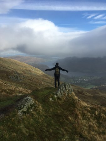 Kendal, UK: Looking out to Ullswater on a guided walk