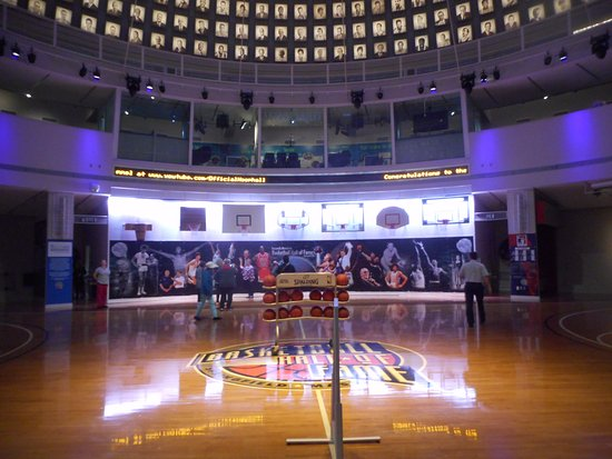 Foyer Museum Hours : Basketball hall of fame springfield ma top tips before