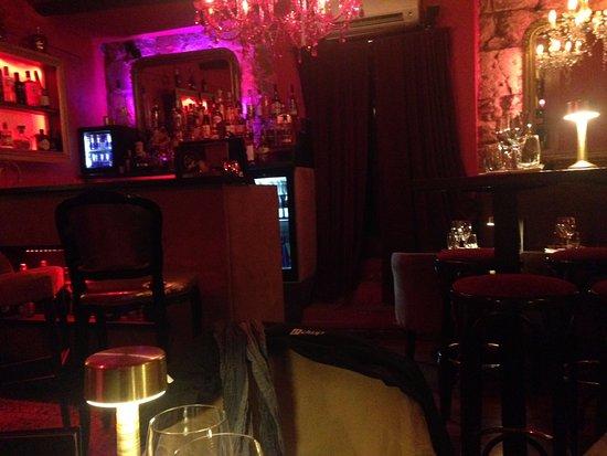 La Chimere Cafe: 1ere salle du bas