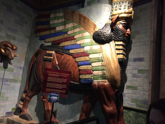 Petersburg, KY: The exhibits are so colorful, like this Egyptian one.