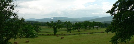 Washington, VA: The panoramic view that won best view from a winery deck in Virginia