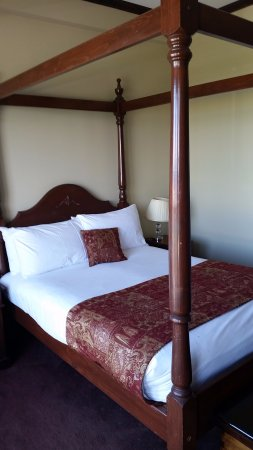 The Anchorage Hotel: very comfy bed