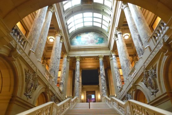 Minnesota State Capitol: The Marble Stairway!