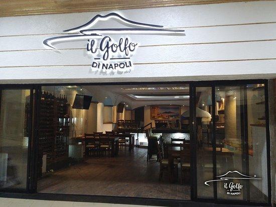 Il Golfo di Napoli: Instalaciones