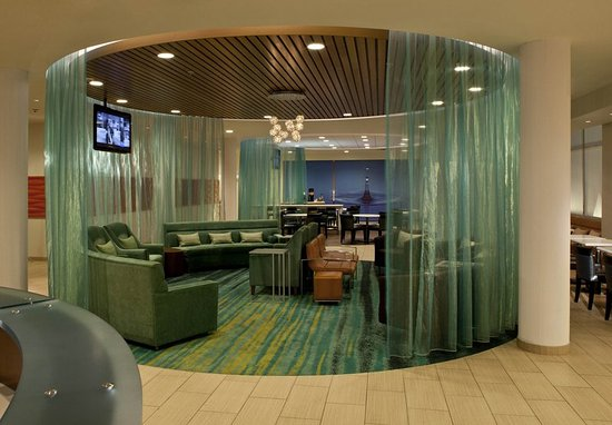 SpringHill Suites Huntsville Downtown: Lobby Sitting Area