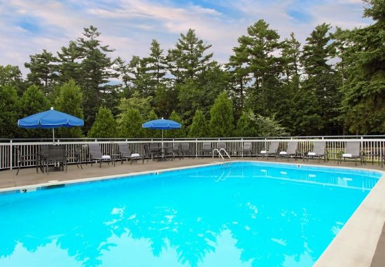 Fairfield Inn Portland Maine Mall: Outdoor Pool