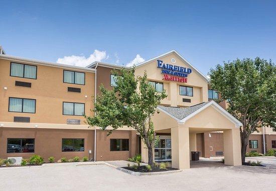 Fairfield Inn & Suites Victoria: Exterior