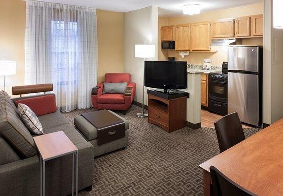 Irving, تكساس: Two-Bedroom Suite - Kitchen