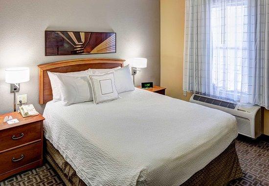 Irving, تكساس: One-Bedroom Suite – Sleeping Area