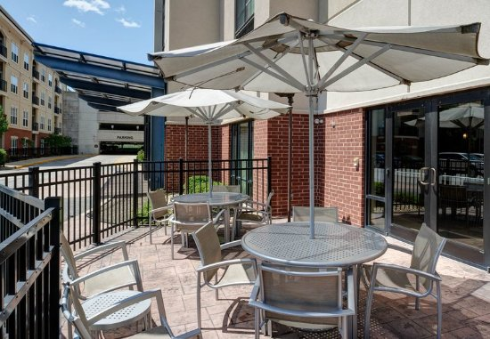 Brentwood, MO: Patio