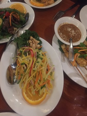 Golden Thai Restaurant Toronto Review