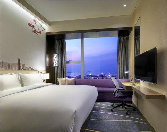 Hilton garden inn hong kong mongkok updated 2017 prices for Garden rooms reviews