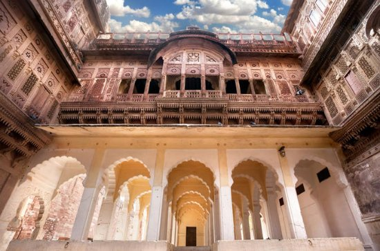 10-day Private Tour: Heritage...