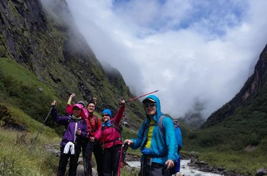 A perfect 13 days hiking tour to...