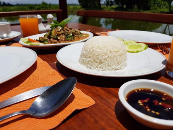 Ban Khiet Ngong, Laos: A delightful local lunch on our terrace