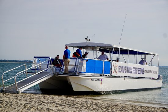 Beaufort, NC: Island Express Ferry unloading at Shackleford Banks
