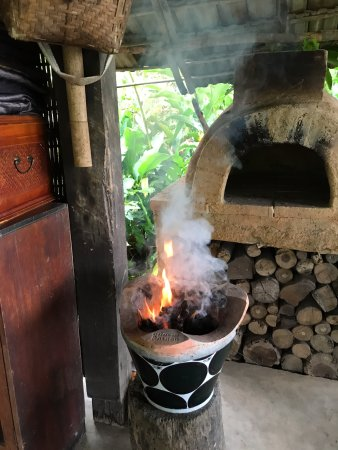 Bamboo Nest de Chiang Rai: Where we toasted our bread in the mornings!