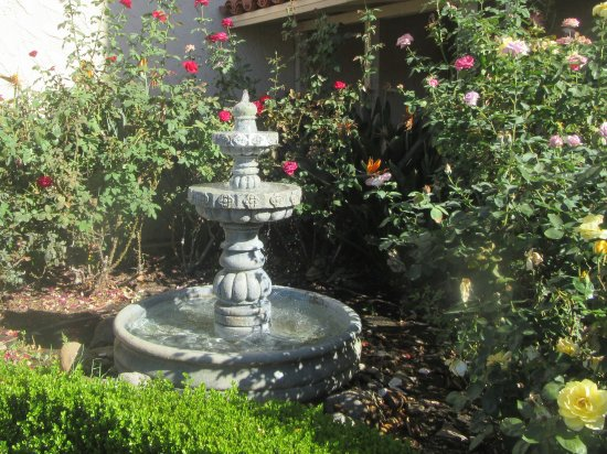Fountain, Best Western Plus, Thousand Oaks, Ca - Picture of Best ...