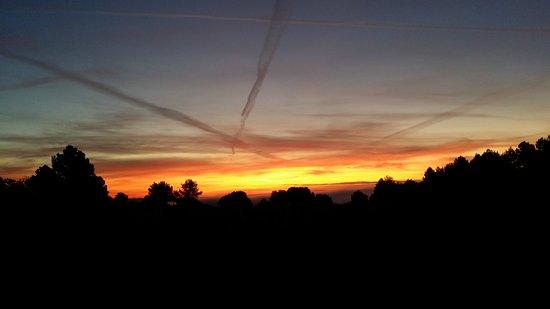 Azillanet, Francja: Ici c'est très beau et les gens qui vous accueillent sont de bonne volonté et charmants.