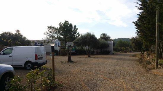 Azillanet, Frankrike: Ici c'est très beau et les gens qui vous accueillent sont de bonne volonté et charmants.