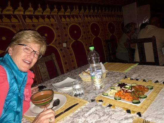 Camel Trekking - Day Tours: The food was surprisingly good and QUITE hot!
