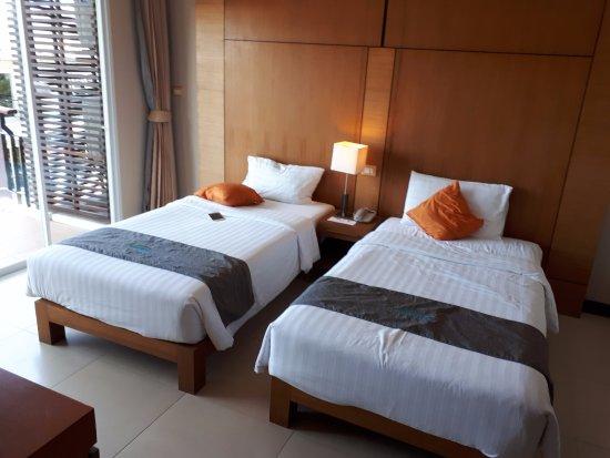Andakira Hotel: Twin bed