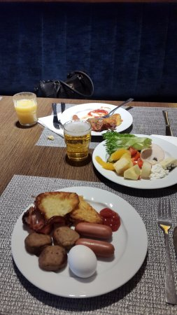 Tallink City Hotel: selection of breakfast